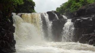 preview picture of video 'Ile Maurice - L'Ile aux Cerfs - La cascade du Sud Est -'