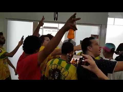 Meio-campista Camilo é recebido com festa pela torcida do Mirassol