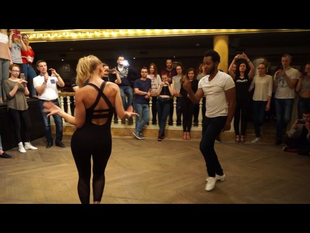 Ronald & Alba - Grupo Extra - Bailemos