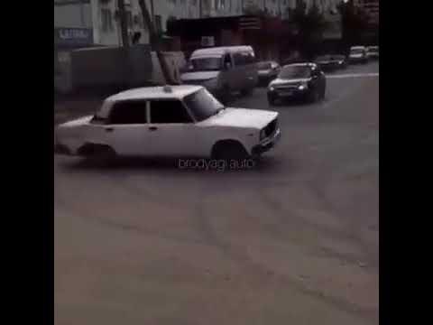 БРОДЯГА ТАКСУЕТ ДРИФТ НА ЖУЛЬКИ
