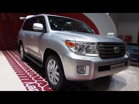 2014-Toyota-Land-Cruiser-200-Exterior-and-Interior-Walkaround