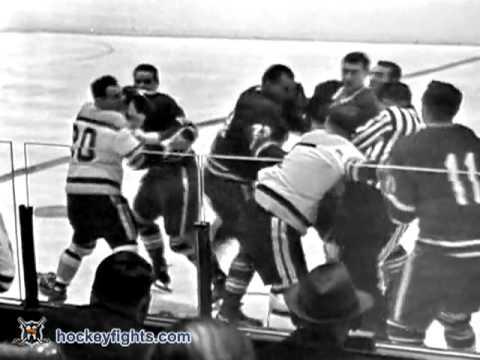 Eddie Shack vs. Bob Leiter