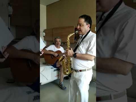 Dueto Álvaro Carneiro e seu médico Roberto Kalil Filho