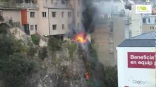 preview picture of video 'Incendi al Roc dels Escolls d'Andorra la Vella'