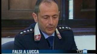 preview picture of video 'BLITZ SQUADRA MOBILE DELLA QUESTURA LUCCA E POLIZIA MUNICIPALE ALTOPASCIO  ANTI CONTRAFFAZIONE '