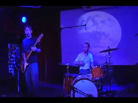The Vases - Prevail (Live at The Rogue Bar)
