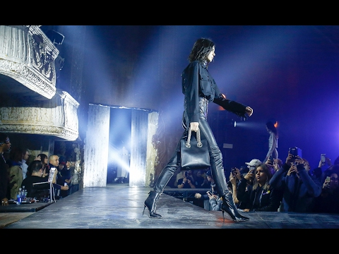 , title : 'Alexander Wang | Fall Winter 2017/2018 Full Fashion Show | Exclusive'