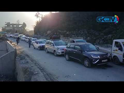 Jammu-Srinagar highway reopens for traffic after 14 hours