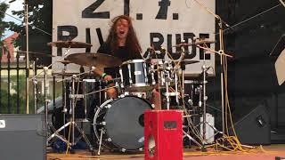 Video Vojta Sedlák - sólo na bicí