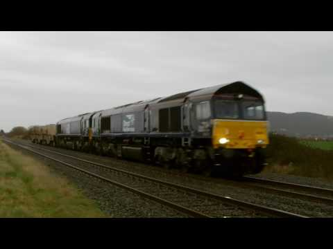 DRS 66301 & 66421 on Valley flasks pass Prestatyn with tones…