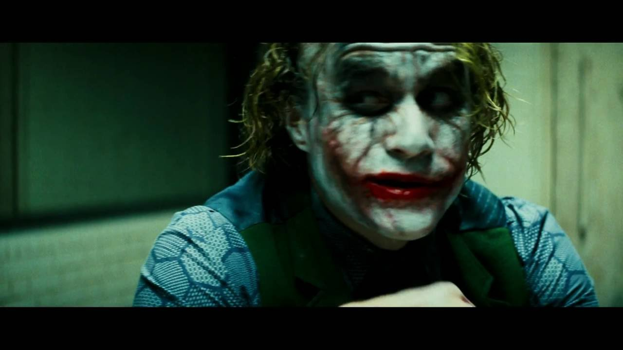 Video trailer för The Dark Knight - Official Trailer [HD]