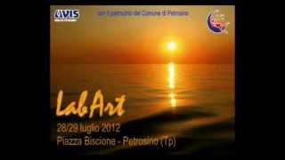 preview picture of video 'LabArt 28 e 29 luglio 2012 - GruppoMusa - Petrosino'