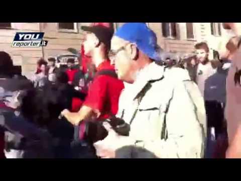Roma, 15 Ottobre – servizio d'ordine cobas aggredisce manifestante perchè distrugge una statua