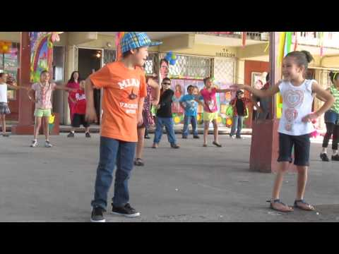 Watch video Síndrome de Down: Elias bailando Gangnam Style