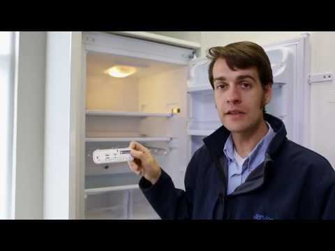 What temperature should my fridge be & is it auto-defrost?