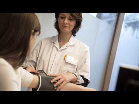 La préparation pour le traitement de leczéma sec à bras