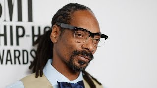 """Snoop Dogg RIPS Suge Knight APART """" He ROBBED 2Pac I Hope He Rots in That Cell 