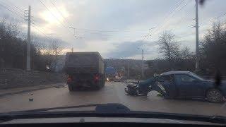 Страшная авария произошла вблизи Симферополя на въезде со стороны Алушты