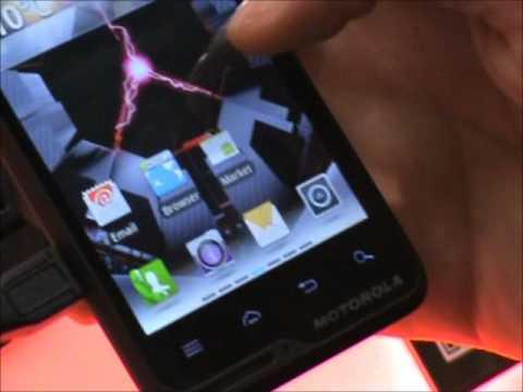 Motorola Motoluxe: anteprima video Motorola Motoluxe