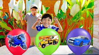 풍선에서 새로운 자동차 장난감이 나와요! 예준이와 아빠의 풍선 놀이 Surprise Balloon New Car Toys