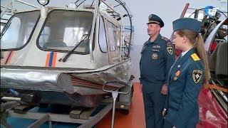 10 выпускников Санкт-Петербургского университета МЧС России пополнили ряды новгородских спасателей