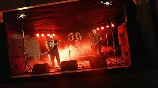 Video Vítej mezi blázny - Blázni na svobodě (Live)