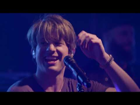 Charlie Puth - We Don't Talk Anymore (Live on the Honda Stage at the iHeartRadio Theater NY)