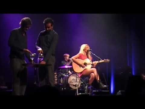 Miss Montreal - In The Middle (live @ 't Spant, Bussum 02-11-'12)