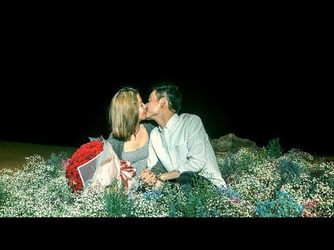 ✨『我沉醉在漫天花海與月光,妳深邃的雙眼也烙印在我心裡』- 墾丁沙灘花海煙火求婚