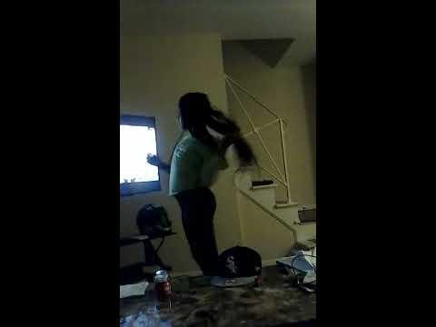 Girl 11 years old twerking and good!!!
