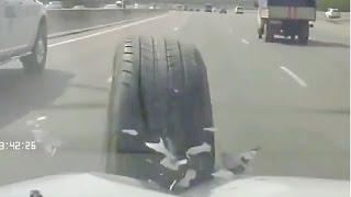 Смотреть онлайн Подборка: Неуправляемые колеса отлетают от машин
