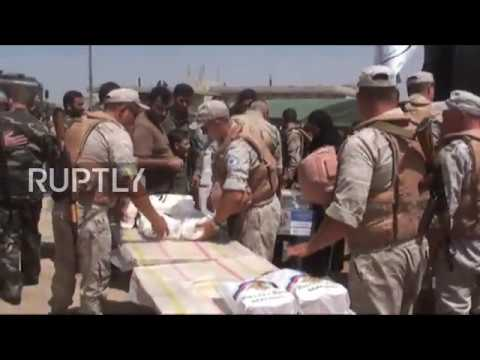 Syria: Russian and Syrian forces assist residents of Hama return home