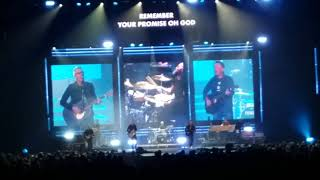 "Chris Tomlin & Matt Maher ""Your Grace is Enough"" @ Xcel Energy St. Paul, MN 10-15-2017 w/lyrics"