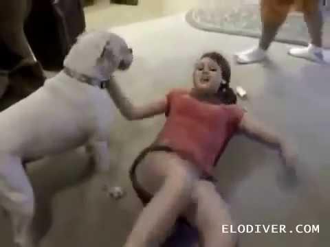 Seorang pria dengan penis kecil bertemu seorang wanita