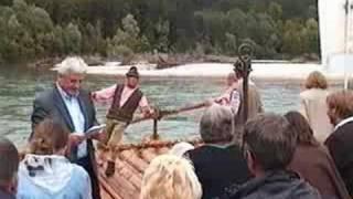 preview picture of video 'Floesserwallfahrt auf der Isar von Wolfratshausen nach München'