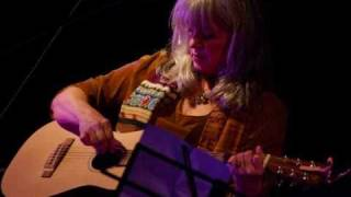 Kimmie Rhodes & Willie Nelson  -  Love Me Like A Song