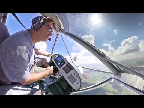 Flying behind the Dynon SkyView HDX in the Zenith CH 750