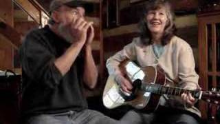 """Crawdad Song"" Annie & Mac Old Time Music Moment"