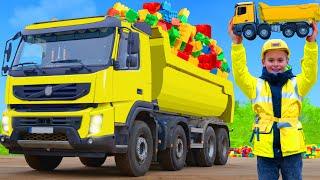 Kinder spielen mit echtem Lastwagen | Geschichten um Zusammenhalt zu lernen