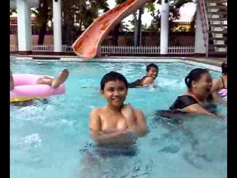 Boro plus halamang-singaw sa kanyang mga paa