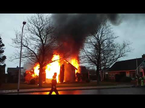 Geen gewonden bij woningbrand aan Noordsingel in Swifterbant | UPDATE