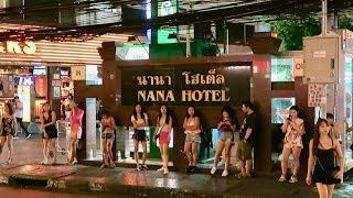 Bangkok After Midnight - So Many Freelancers!!!