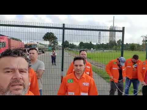 Petroleiros ocupam FAFEN-PR contra as demissões de quase 1000 trabalhadores