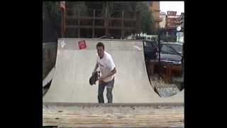 preview picture of video 'Skater: Claudio e Vincenzo @ San Leone Slide Mini Ramp'