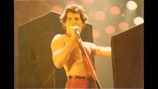 4. Somebody To Love (Queen-Live In Newcastle: 12/3/1979) (Remastered)