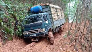 Rớt tim nhìn xe tải keo 18 tấn tụt dốc đứng khi xuống núi - Bác tài của năm là đây