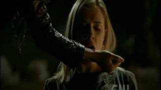 The Vampire Diaries 2x21 - Jenna becomes a vampire