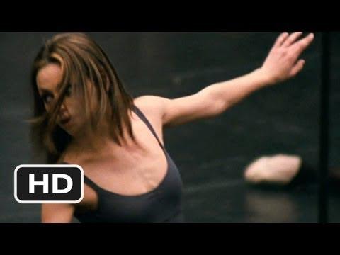 リリーの妖艶なダンス