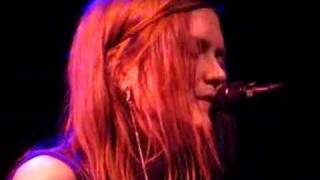 "Juliana Hatfield ""Shining On"" 5/21/08"