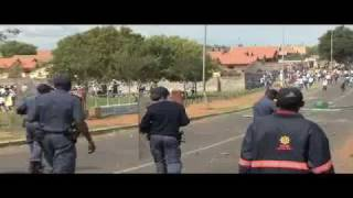 Pupils Clash With Police During Jub Jub Court Appearance   AfricanNewslive.com